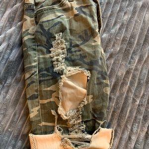 Mid-way army shorts